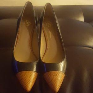 Ann Taylor Black & Brown Leather Pointed Toe Pumps